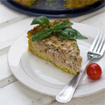 Tuno pyragas su bolivinių balandų plutele