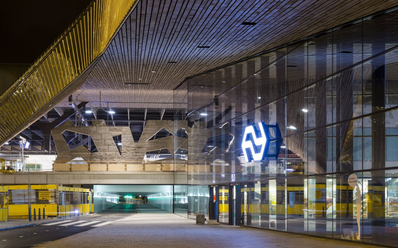 15-Rotterdam-Centro-Estación-por-Team-CS
