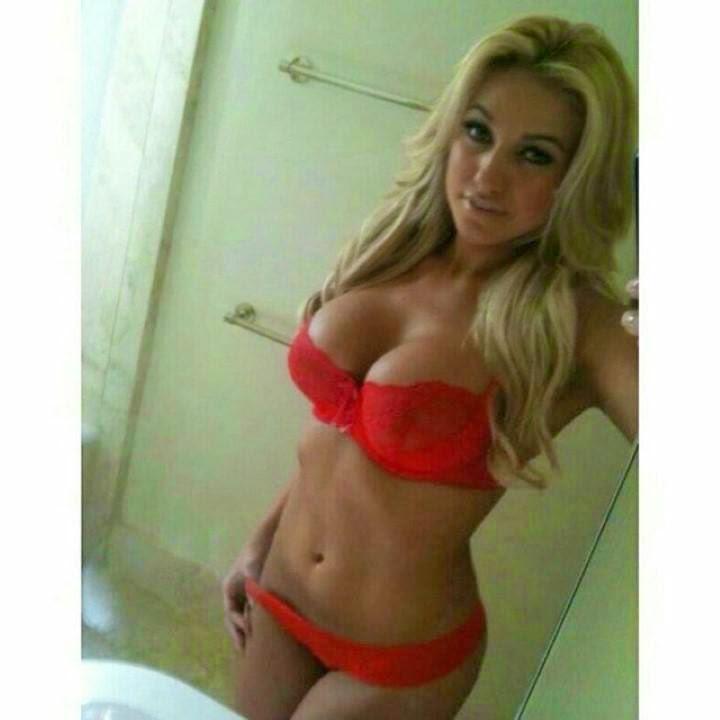 La moda de los selfies elevada a la máxima sensualidad. Rubias, morenas, castañas pero sobre todo sexys!! Chicas sexys 1x2