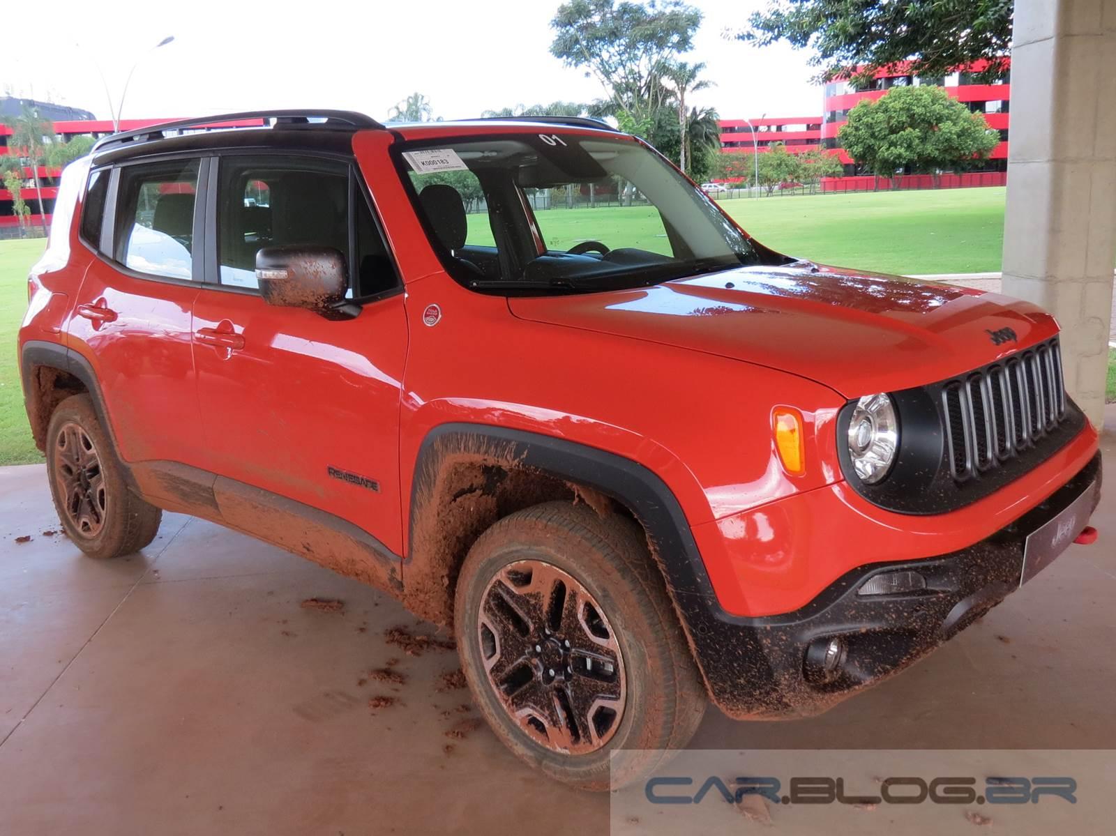 Jeep Renegade Trailhawk - topo de linha