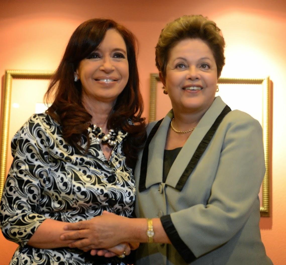 http://3.bp.blogspot.com/-ASTK_WE2x90/U79pApYASUI/AAAAAAAAlkA/Zwjbdb7m3VU/s1138/Dilma+invit%C3%B3+a+Cristina+para+asistir+a+la+final+del+Mundial.+Cristina+agradeci%C3%B3+pero+no+ir%C3%A1.+La+carta+de+la+Presidenta+argentina+a+su+par+de+Brasil.jpg