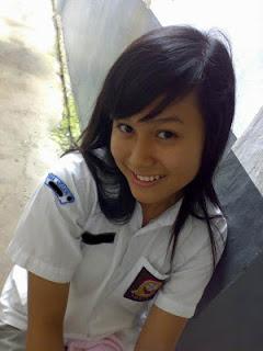 abg pose kepla miring 9 Gaya Foto Paling Umum Di Indonesia