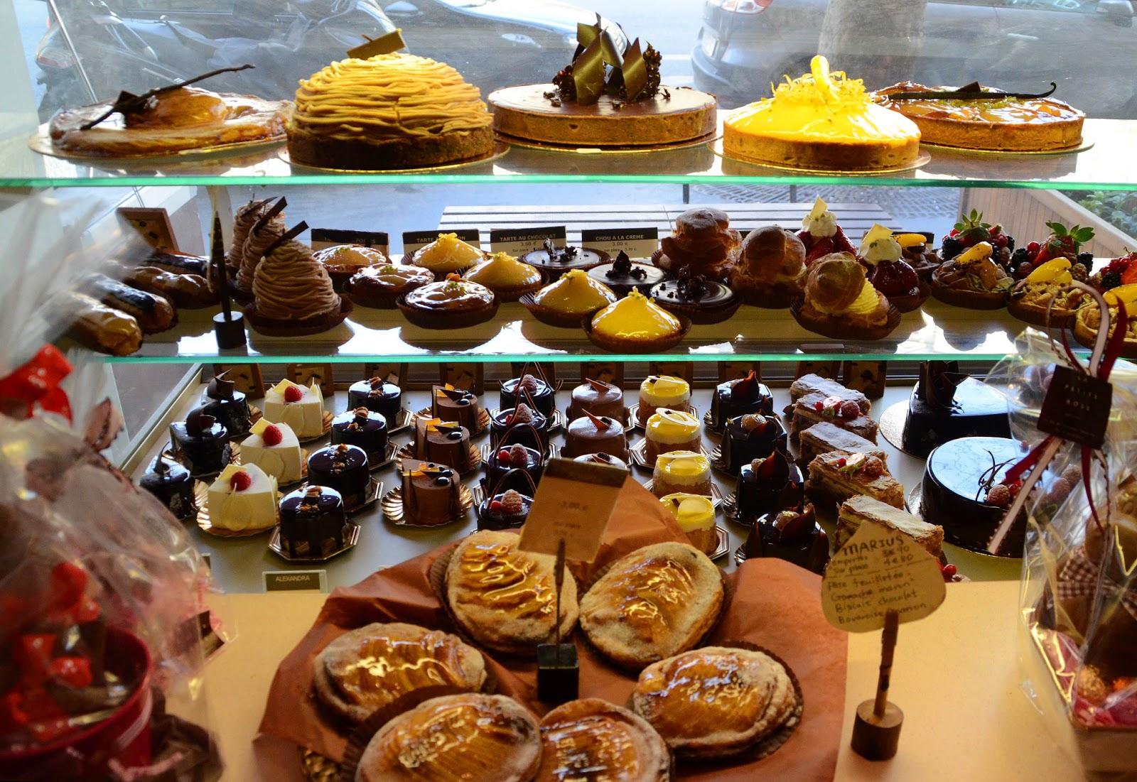 Paris and beyond la petite rose salon de th - Salon patisserie paris ...