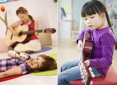 criança cantado