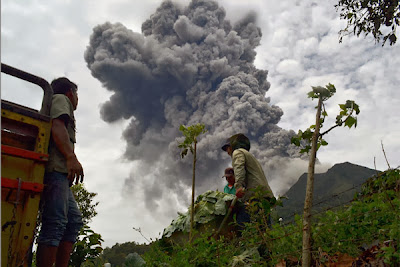 Erupción volcán Sinabung 03 de Noviembre 2013