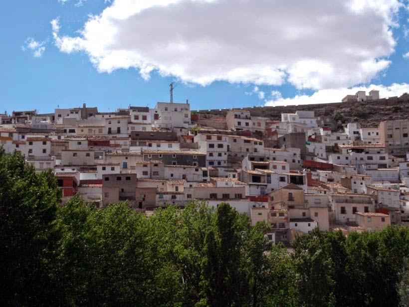 Pueblo y su castillo