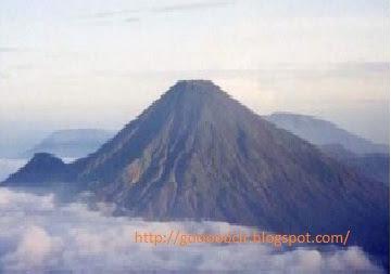 Gunung Tertinggi Di Indonesia