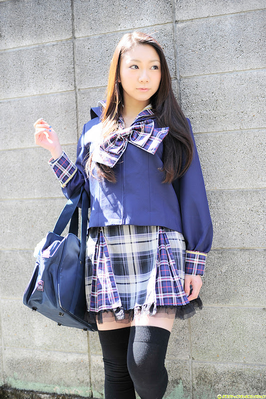 Japanese Girl - Tomoyo Hoshino as Sexy Schoolgirl