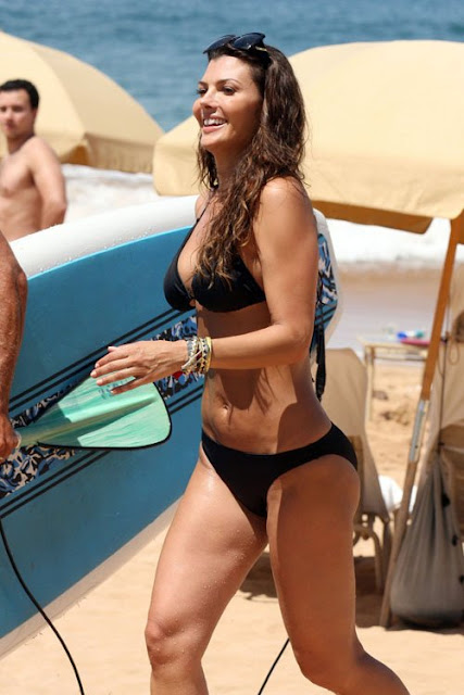 Ali-Landry-Shows-Off-Her-Bikini-Body-In-Hawaii-2