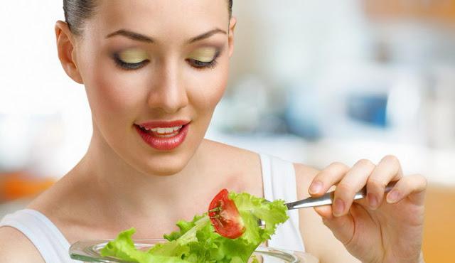 Η σωστή διατροφή του καλοκαιριού για συντήρηση ή και μικρή απώλεια βάρους