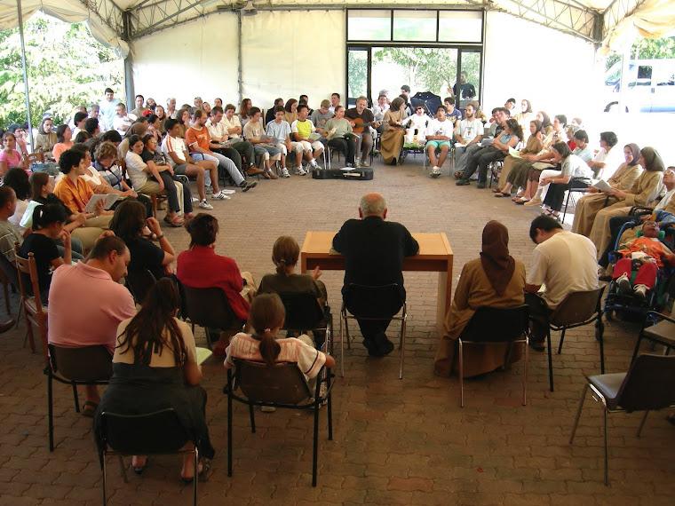 Roma - 4 Ottobre 2010: Assemblea & Nascita dei Cenacoli Famigliari di Preghiera e vari Gruppi...