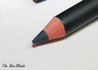 chanel le crayon khol marine 63 the non blonde. Black Bedroom Furniture Sets. Home Design Ideas