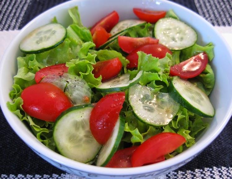 Salada de Alface, Pepino e Tomate Cereja (vegana)