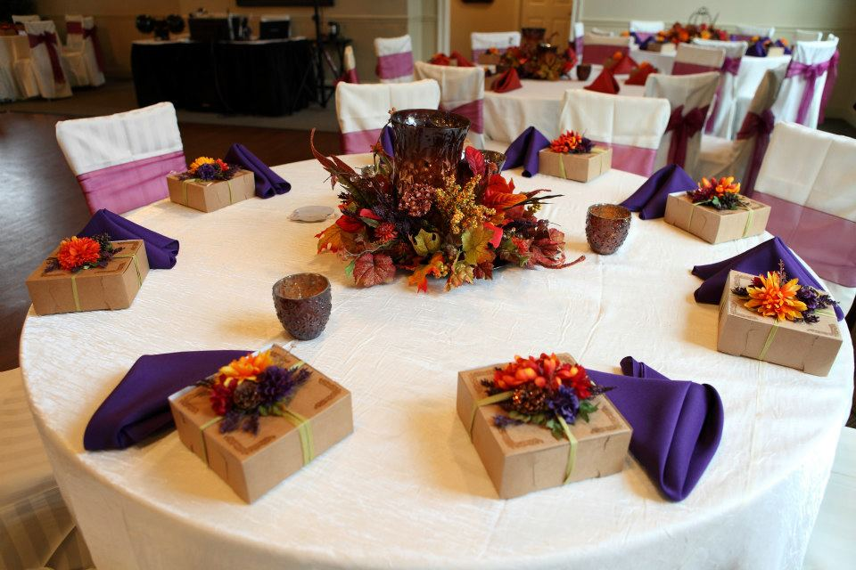 Vecoma At The Yellow River Fall Wedding Decorations