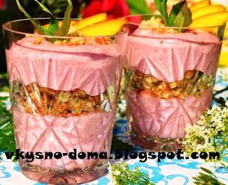 Творожно - ягодный десерт