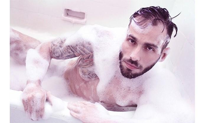 Mauricio+Junior+naked