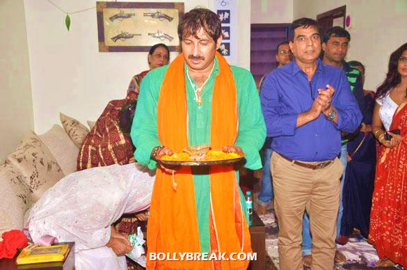 Manoj Tiwari - (3) - Manoj Tiwari's house warming party