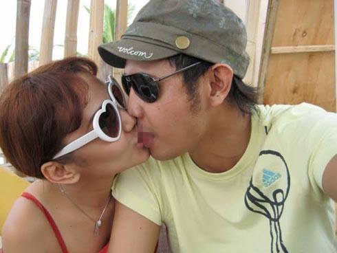 Foto Anita Hara Ciuman Bibir Dengan Seorang Cowok On The Spot Foto ...