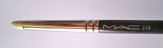 Mac 219 Pencil Brush great for eyeliner and highlighting eyes