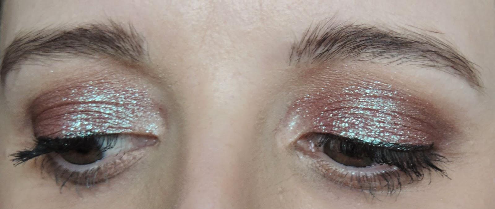 (Applied): Urban Decay Moondust Eyeshadow in Solstice
