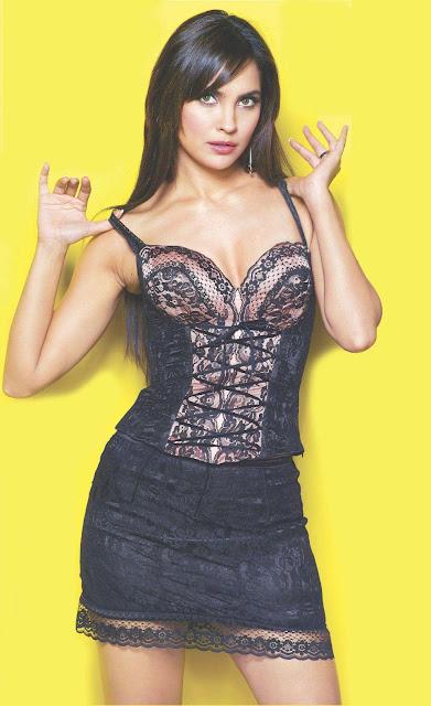Hot Lara Dutta Wall Papers 5