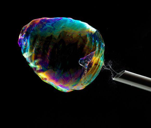 Fabian Oefner fotografia alta velocidade cores vibrantes ciência bolhas de sabão