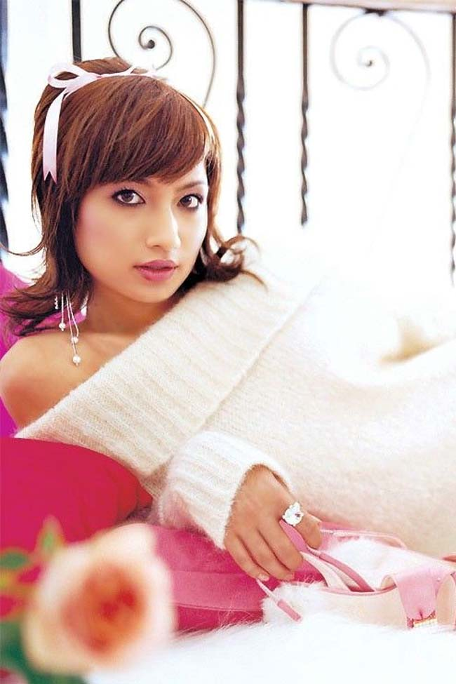 Japanese Celeb Model, Singer and Actress Sada Mayumi