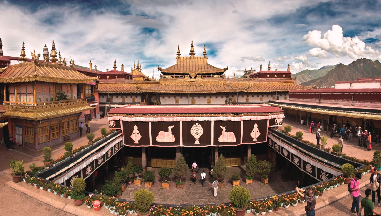 Lhasa China  city pictures gallery : ... Lhasa ལྷ་ས, 拉萨 . A voyage to Lhasa, Tibet, China, Asia