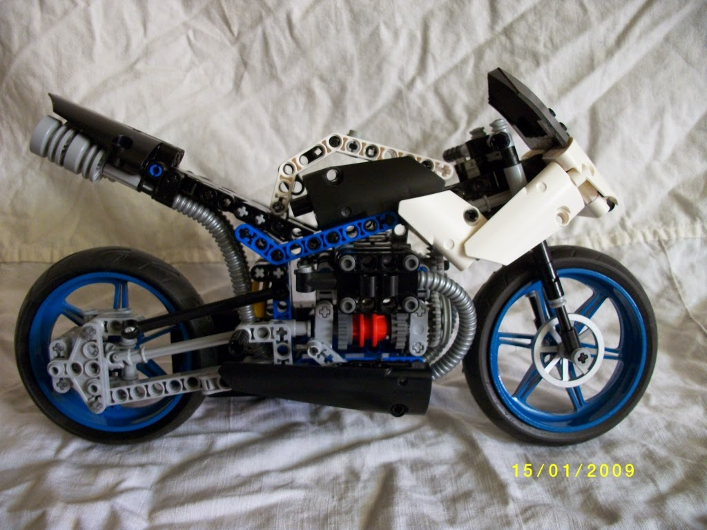 lego technic motorcycles bmw hp2 by nemmoz. Black Bedroom Furniture Sets. Home Design Ideas