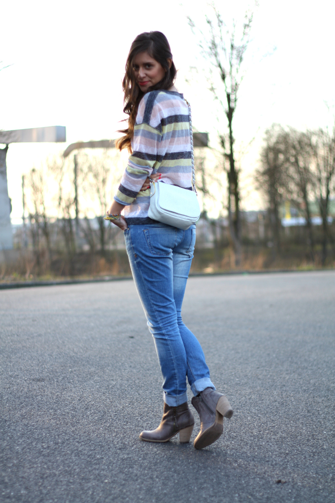 Rolled-up-jeans-with-boots Images - Frompo - 1