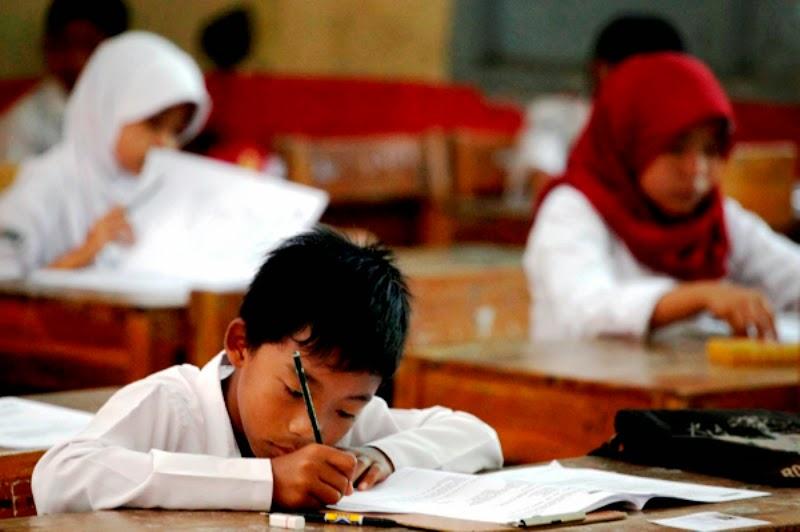 16 929 Siswa Sd Di Lumajang Ikuti Ujian Nasional Kim Sinar Harapan