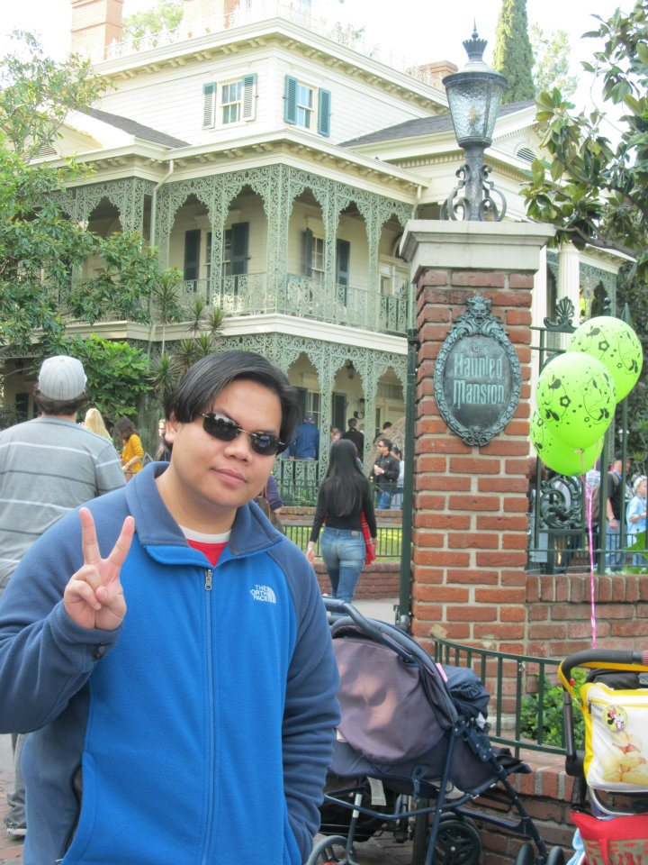 Disneyland California Haunted Mansion