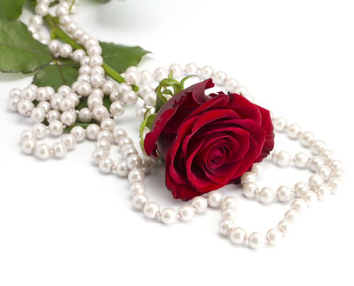 Rose and pearls emoticon