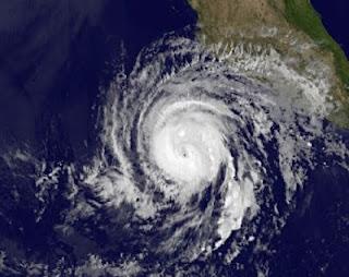 Hurrikan BUD: Sturmwarnung in Jalisco, Colima und Michoacán, Mexiko, Bud, aktuell, Hurrikanfotos, Hurrikansaison 2012, Nordost-Pazifik, Pazifische Hurrikansaison, Satellitenbild Satellitenbilder, Mai, Vorhersage Forecast Prognose, Mexiko, Jalisco, Colima, Michoacán,