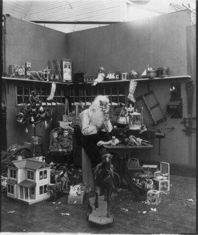 Vintage Christmas photographs predating 1920.