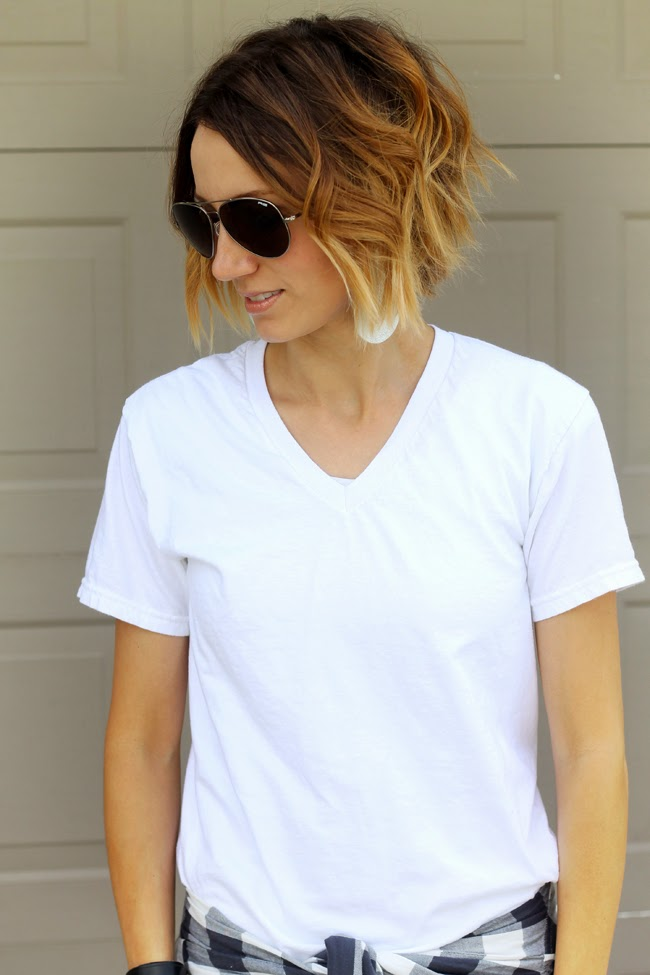 Wavy short ombre hair and aviators