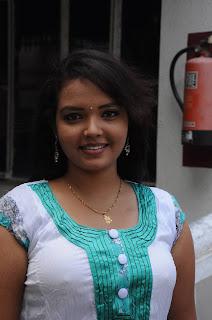 Tamil Actress Pavina Nipple Visible Hot pics