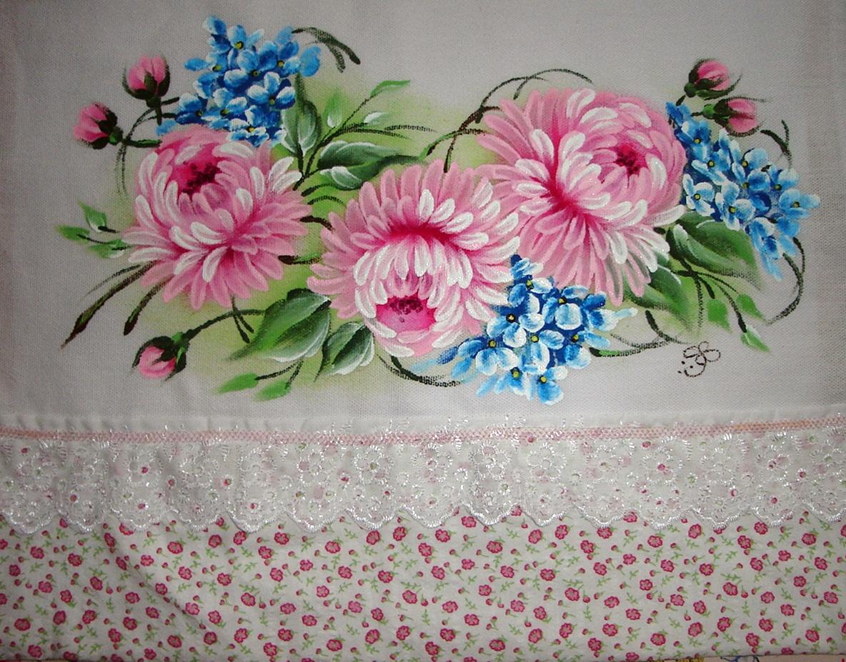 http://3.bp.blogspot.com/-AX3X4qEhmmY/UXGsdIAndLI/AAAAAAAANXg/ZF6qtJkRdmk/s1600/pintura+em+tecido+pano+de+prato+crisantemos.JPG