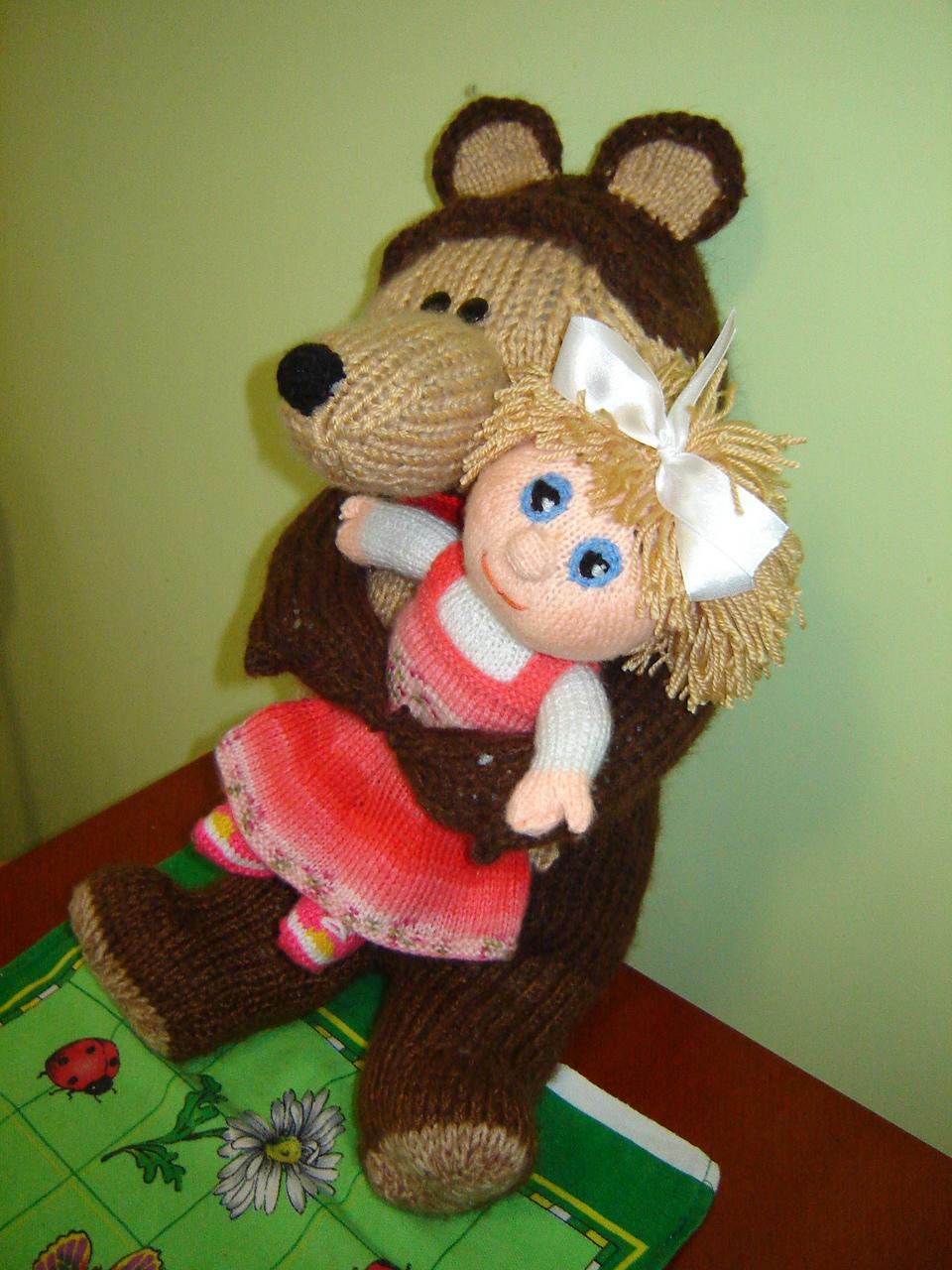 Маша и Медведь из пластиковых бутылок и монтажной пены 57
