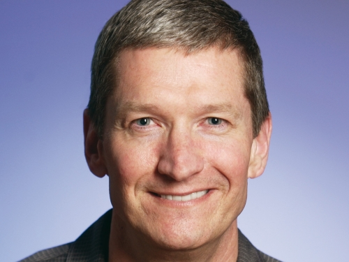 Apple CEO Tim Cook requested AT&T to unlock iPhone 3gs for angry cistomer