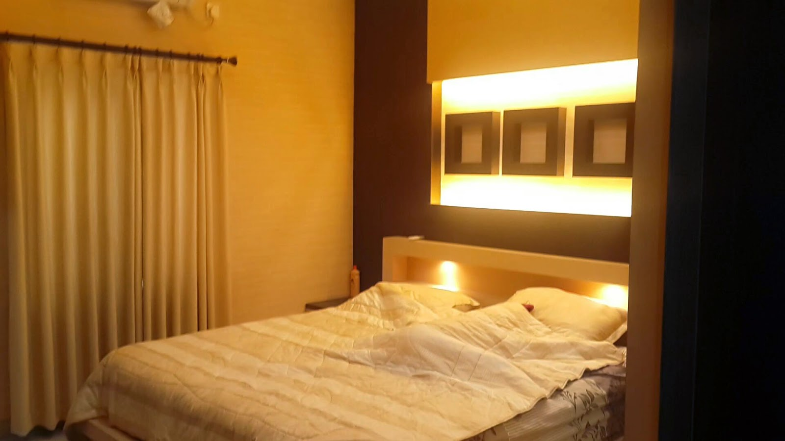 Rumah Dijual di Cluster cassa de esta Cigadung dago atas bandung kamar utama Desember 2014