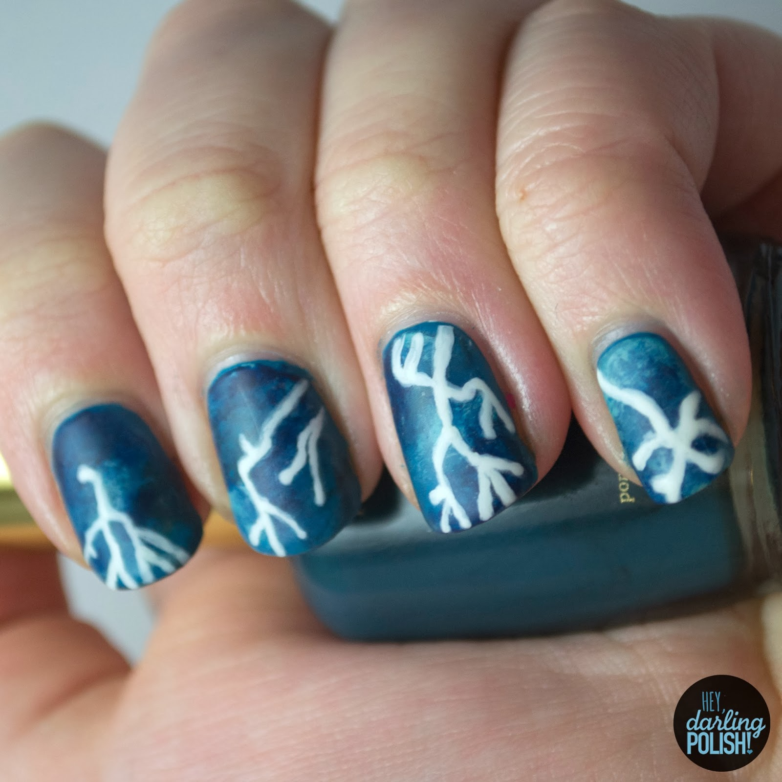 nails, nail polish, nail art, polish, lightening, weather, fingerfood theme buffet, blue nails, hey darling polish