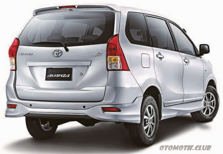Toyota Avanza Luxury rear