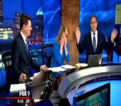Nonews-news: παρουσιαστής έβαλε το σακάκι