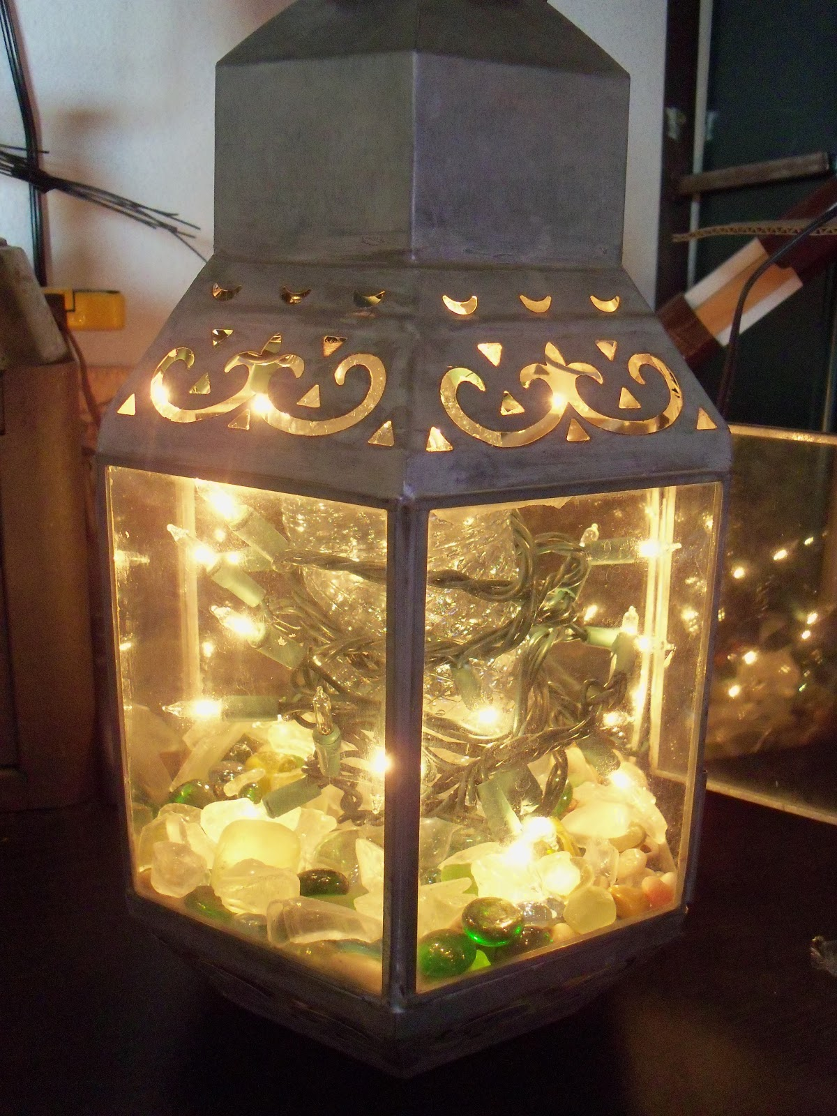 Make The Best of Things: Wax Paper Frosted Glass Twinkle Lantern