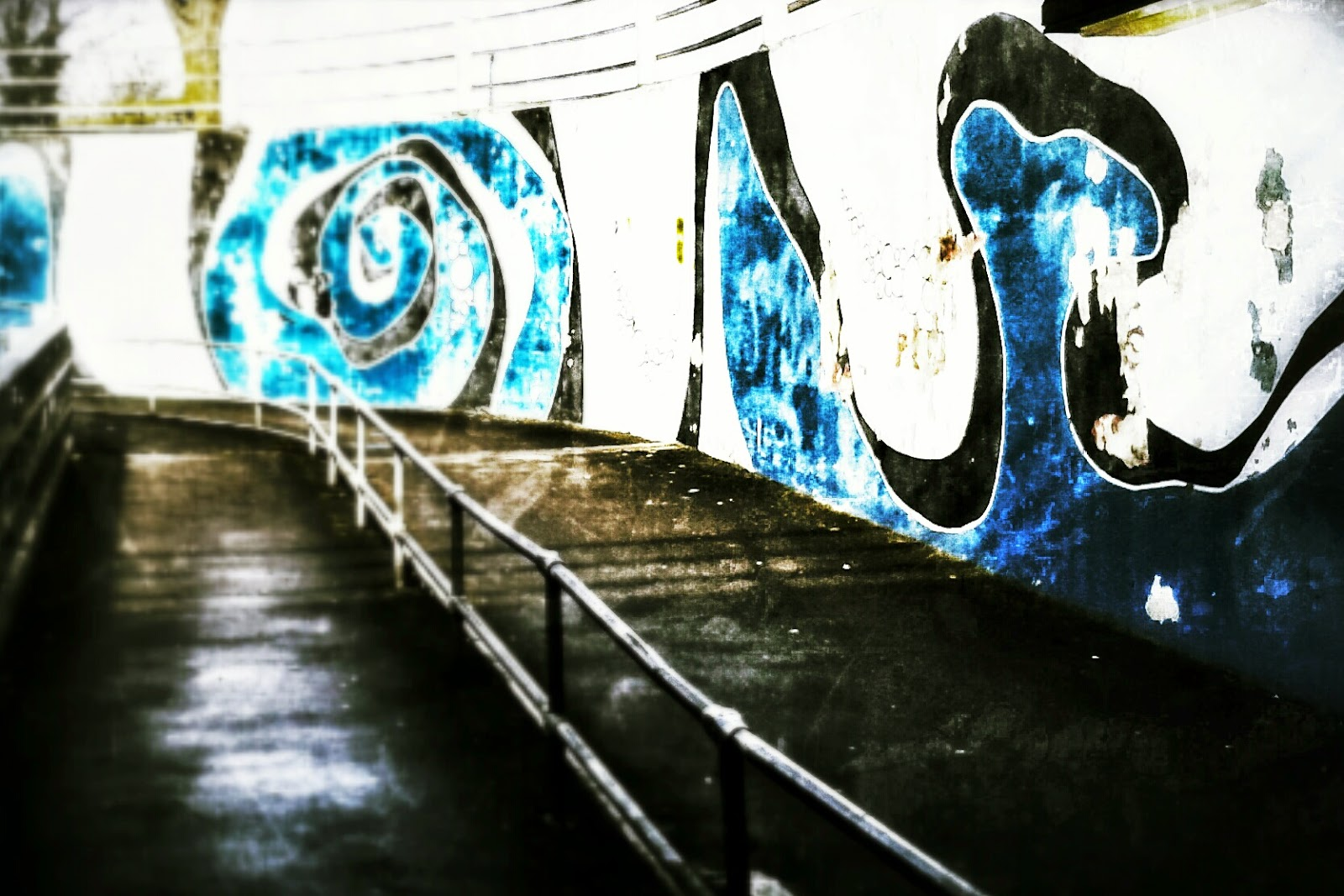 Project 365 day 69 - Underpass graffiti in town // 76sunflowers