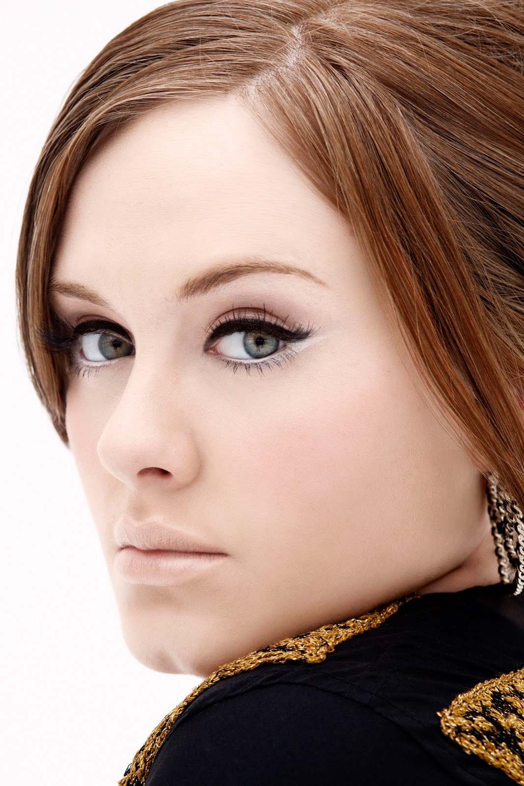 http://3.bp.blogspot.com/-AY-S3S6sfRM/Tv8hgL9B-qI/AAAAAAAADR4/G0mXa_XleB4/s1600/Rolling+In+The+Deep+por+Adele.jpg