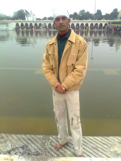 Anshu Dikshant at Gurudwara Bangla Sahib, New Delhi