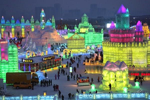 صور متميزة وساحرة من مهرجان الجليد والثلج t41.jpg