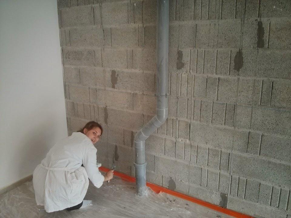 Notre maison pregnin for Peindre mur exterieur parpaing
